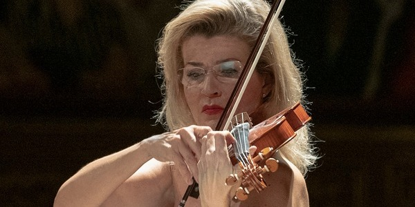 ANNE-SOPHIE MUTTER & THE MUTTER VIRTUOSI
