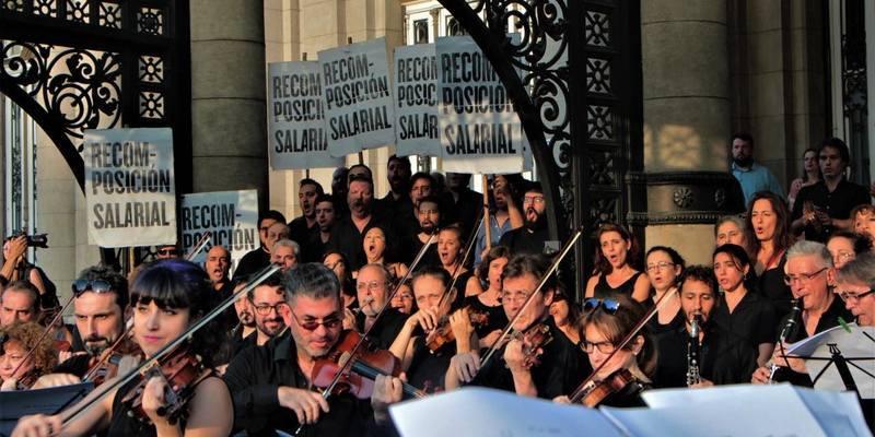 Imagen de Concierto de protesta de las orquestas del Teatro Colón