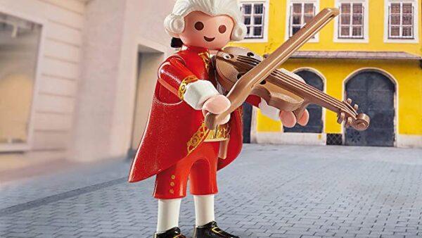 Crean un Mozart Playmobil para apoyar la formación de músicos