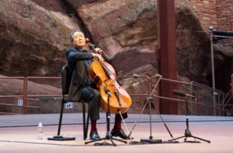 Yo-Yo Ma actuando en Colorado.