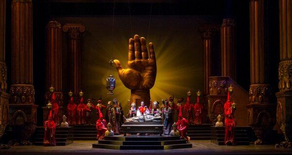 Reseña de la Ópera Don Carlo en el Teatro Colón.