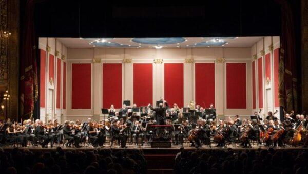 El Teatro Colón inicia su ciclo de conciertos con un programa dedicado a Mozart y Beethoven