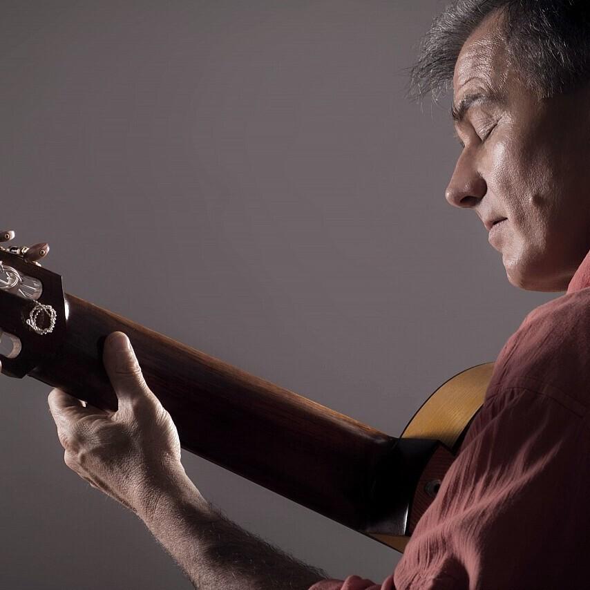 Viajes, de Claudio Ceccolli, referente de la guitarra de 8 cuerdas