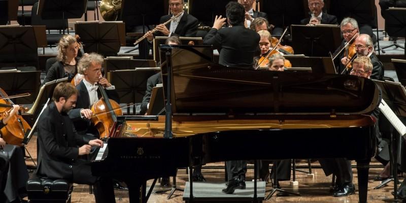 Imagen de MOZARTEUM: Filarmónica de Dresde y Conciertos del Mediodía