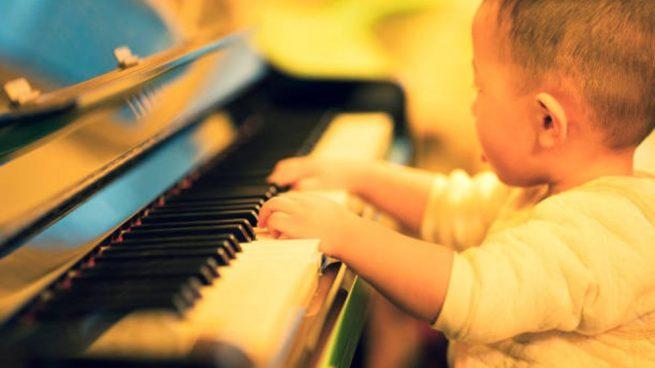 Imagen de ¿Por qué escuchar música clásica es bueno para bebés y niños?
